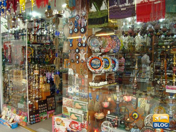 Un negozio nel bazar di Marmaris in Turchia