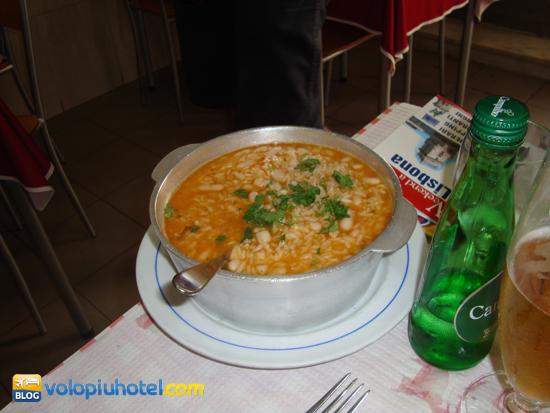 Zuppa di Fagioli mangiata al Bairro Alto a Lisbona