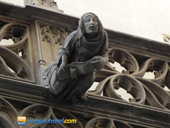 Statua al Barri Gòtic di Barcellona