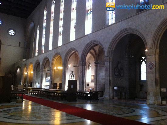Interno della Basilica di Santa Chiara a Napoli
