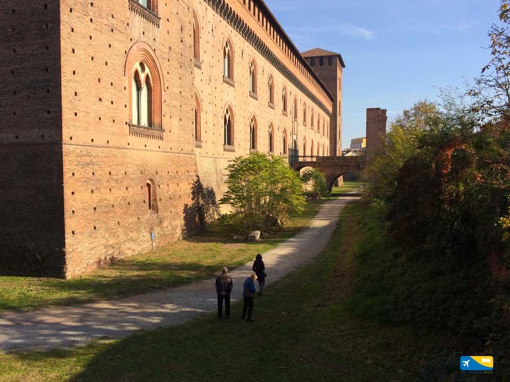Castello Visconteo di Pavia parte laterale