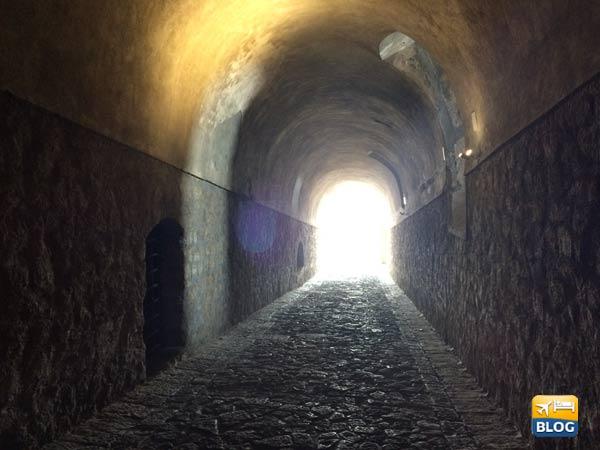 Tunnel sotterraneo negli Ambulacri del Castello