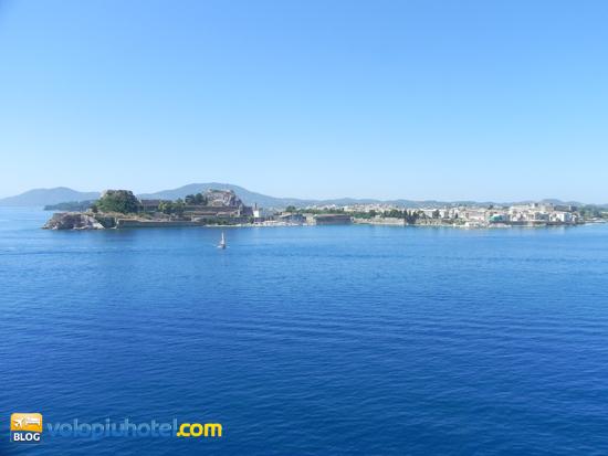 Una veduta dell'isola di Corfù