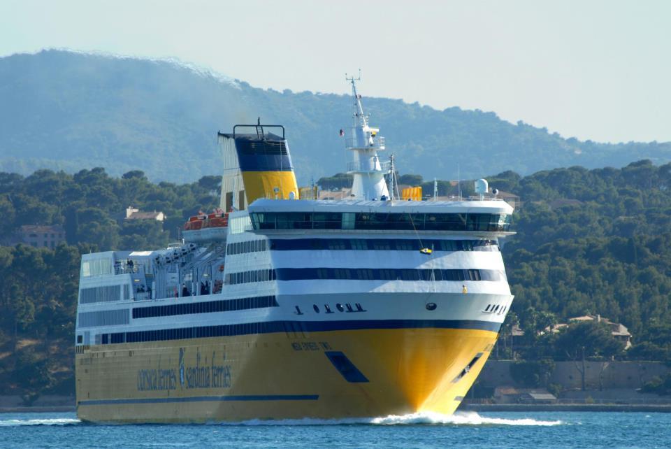 Nave della Corsica Sardinia Ferries
