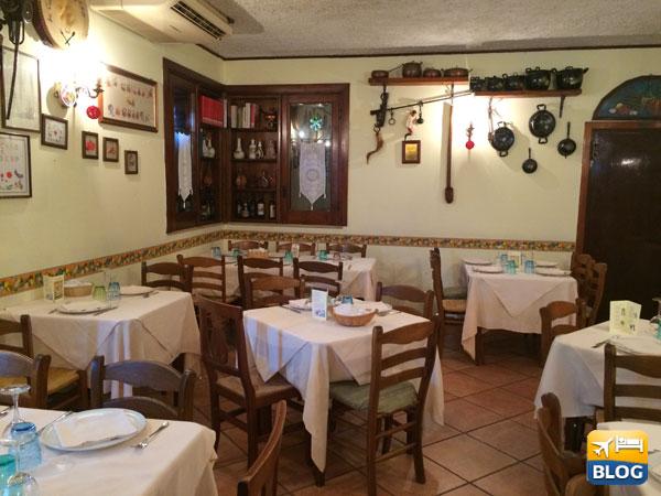 Alcuni tavoli della cucina di Ruggiero