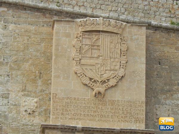 Stemma di Filippo II a Dalt Vila