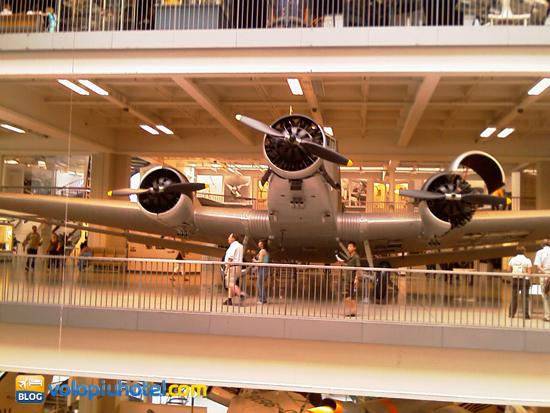 Vero aereo all'interno del Deutsches Museum