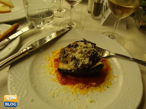 Piatto al ristorante di una nave da crociera