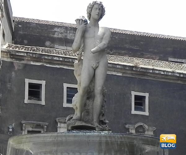 Il giovane della fontana dell'Amenano a Catania