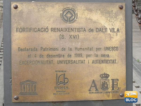 Targa Patrimonio dell'Unesco del Dalt Vila ad Ibiza
