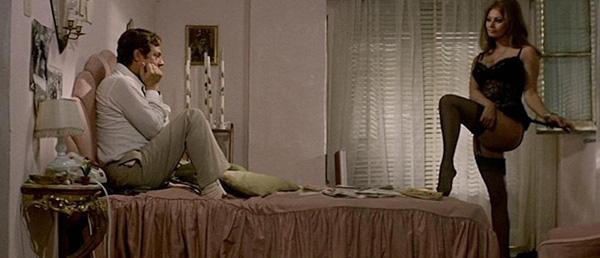 Lo spogliarello di Sofia Loren in Ieri oggi domani