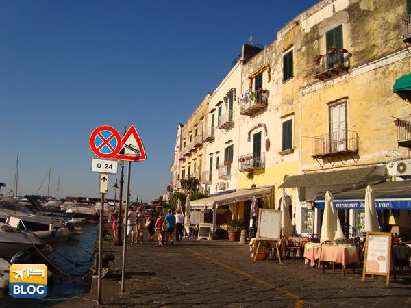 Riva Destra a Ischia Porto