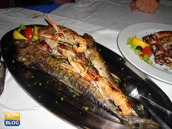 Piatto di pesce a Konoba Mlin di Bol in Croazia