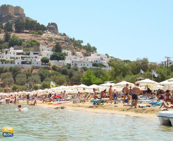 Spiaggia affollata di Lindos