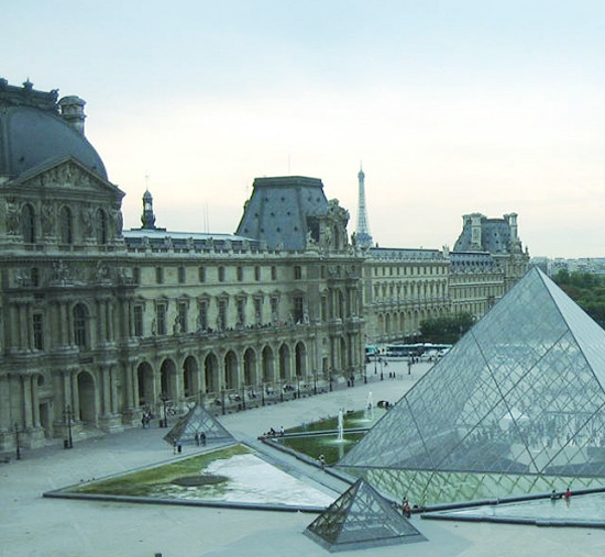 Louvre di Parigi