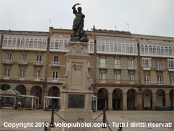 Statua di Maria Pita