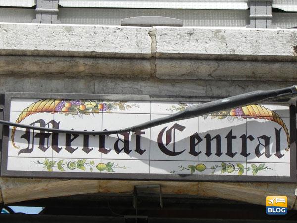 Insegna in ceramica del Mercato Centrale di Valencia