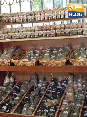 Spezie all'interno del mercato a Kos