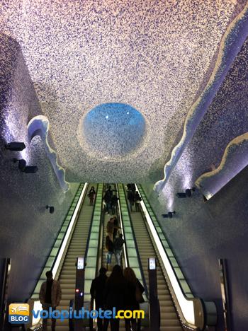 Scale mobili metro Toledo Napoli