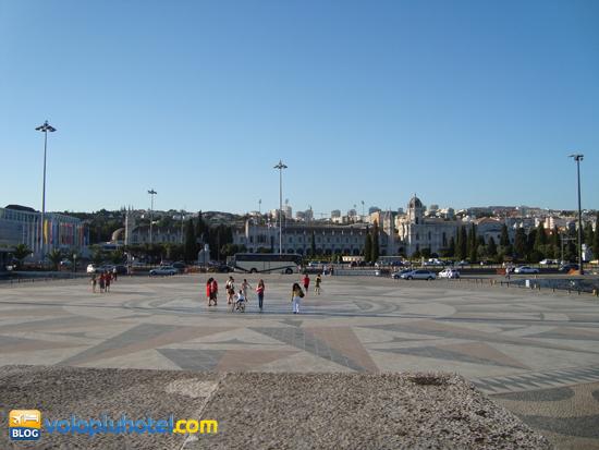 Il piazzale difronte al Monumento delle Scoperte a Belèm