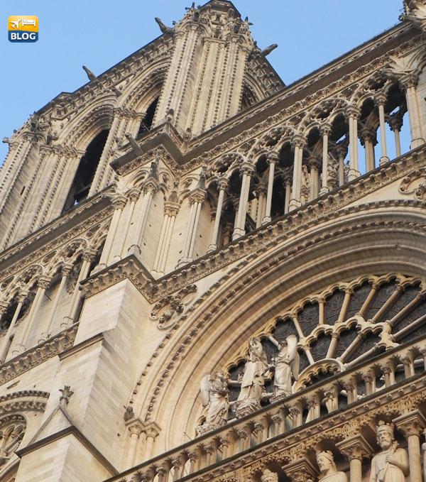 Particolare della facciata della Cattedrale di Notre-Dame a Parigi