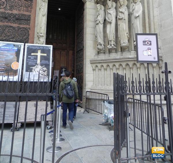 Entrata principale della Cattedrale di Notre-Dame a Parigi