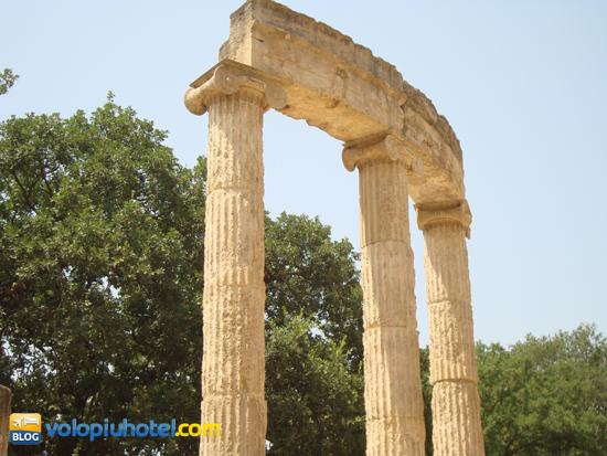 Resti del Philippeion ad Olimpia
