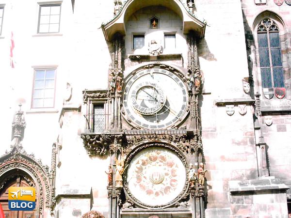 Orologio Astronomico visto dalla piazza
