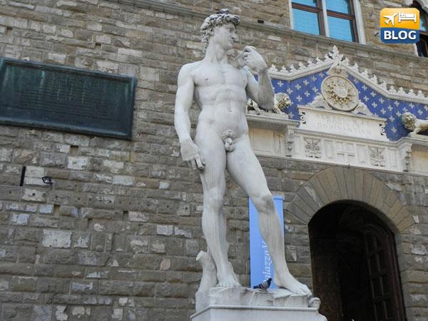 La copia del David di Michelangelo a Piazza della Signoria