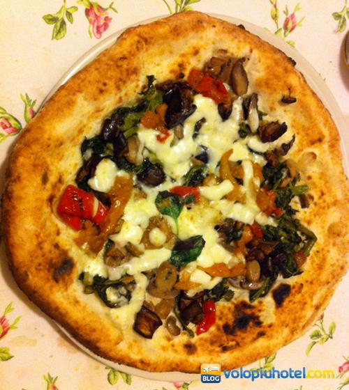 Pizza Ortolana a Napoli