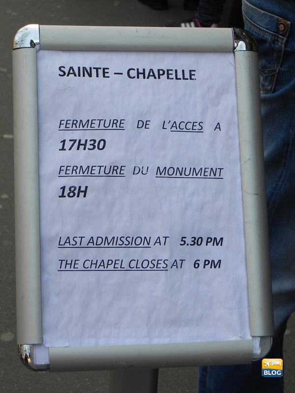 Cartello all'esterno della Sainte Chapelle