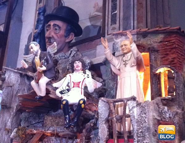 Statuine di Simoncelli ed il Papa