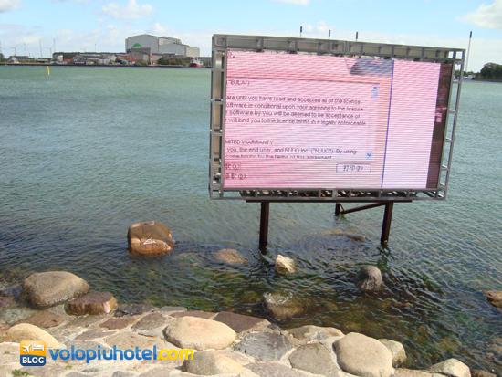 Lo schermo al posto della Sirenetta in occasione di Expo 2010 in Cina