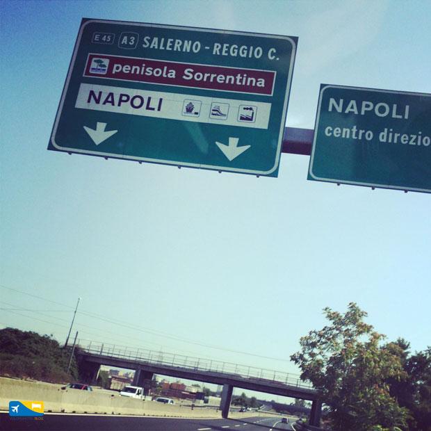 Cartelli stradali a Sorrento