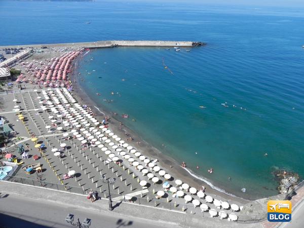 Spiaggia di Meta vista dall'alto