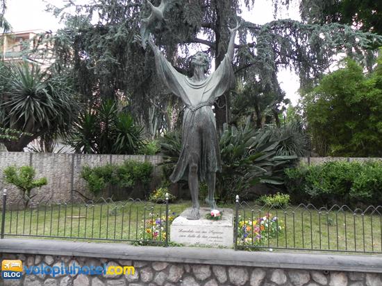 Statua di San Francesco a Sorrento