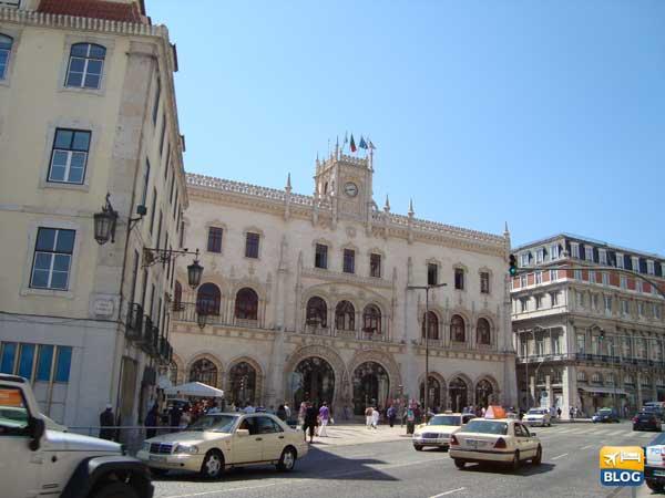 Stazione del Rossio a Lisbona entrata