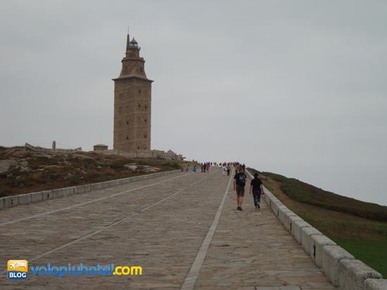 Salita che porta alla Torre di Ercole a La Coruña