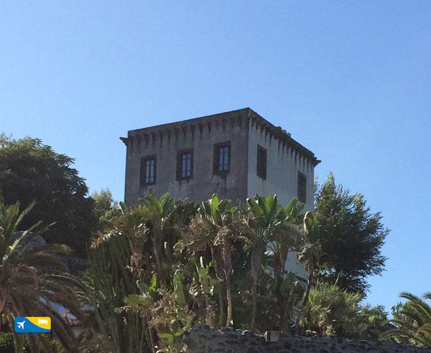 Torre di Guevara o Michelangelo vista dal mare