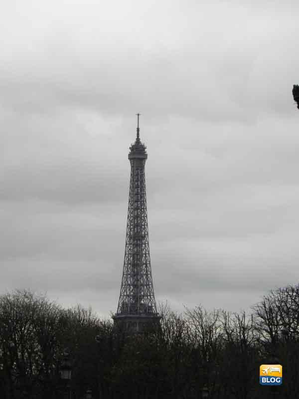 Veduta di giorno della Torre Eiffel