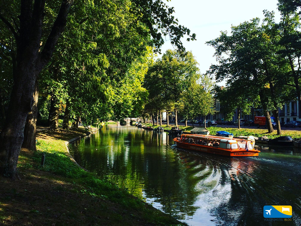 Barca nei canali di Utrecht