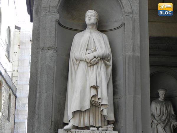 Statue esterno Galleria degli Uffizi