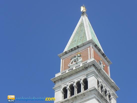 Il campanile di Piazza San Marco a Venezia