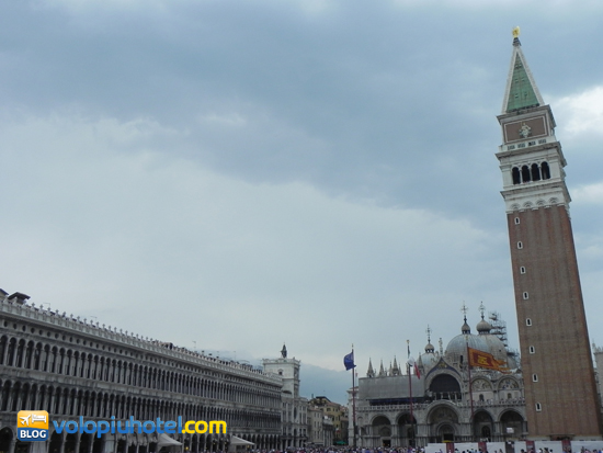 Veduta di Piazza San Marco e del Campanile a Venezia