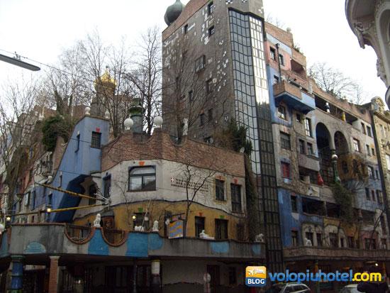 Le case Hundertwasserhaus di Vienna