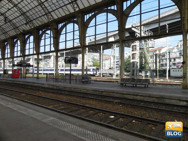 Interno della stazione di Nizza
