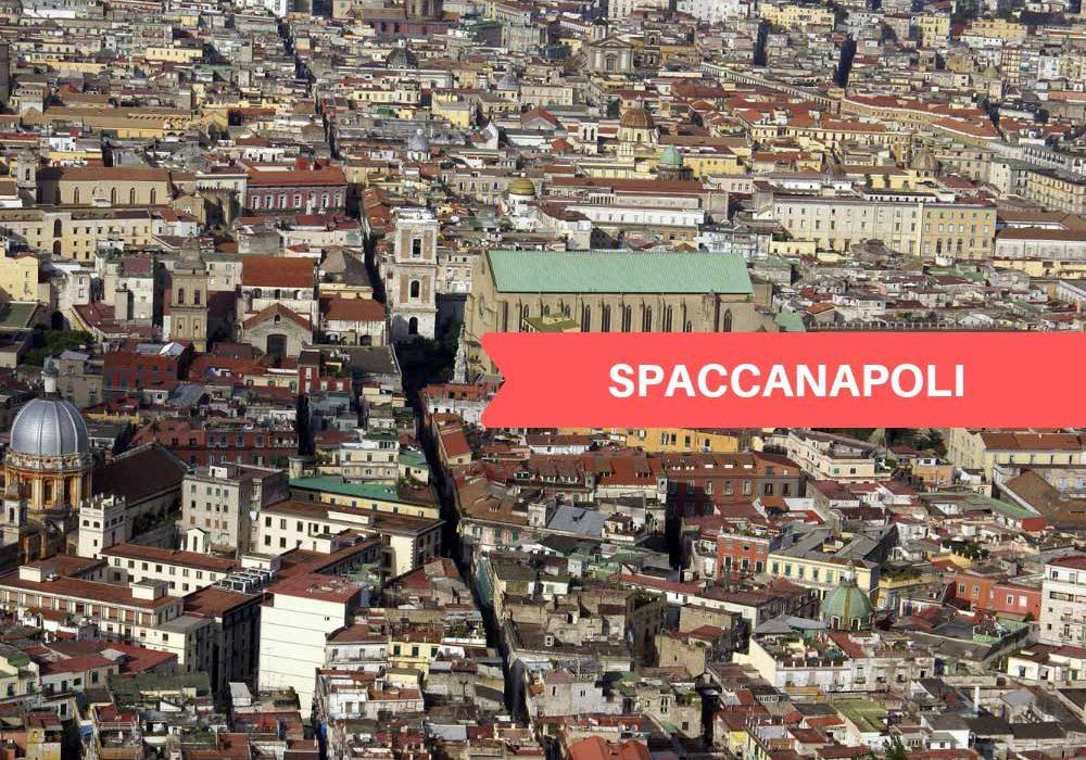 Spaccanapoli l'anima del centro storico di Napoli