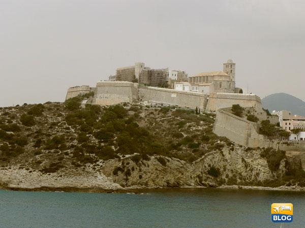 Dalt Vila a Ibiza la città fortificata