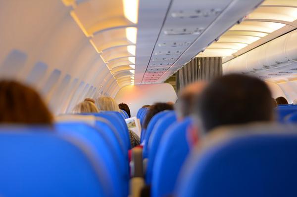 10 consigli per vincere la paura di volare