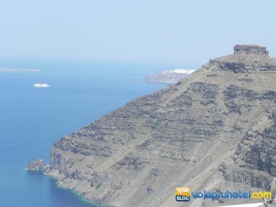 Santorini dal porto a Fira a piedi